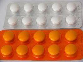 Пациенту в обязательном порядке назначаются нестероидные противовоспалительные препараты