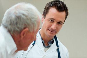 Наверняка многие мужчины с диагнозом «простатит», либо «аденома простаты» сомневаются в методе лечения при помощи соли