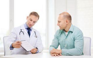 Если мужчина страдает простатитом и планирует произвести лечение солевыми повязками, он должен согласовать этот шаг с врачом
