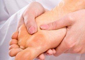 является снижение защитных функций кожных покровов