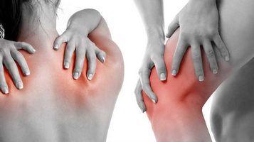 Испытывающих длительные нагрузки на суставы (в том числе, в результате лишнего веса)